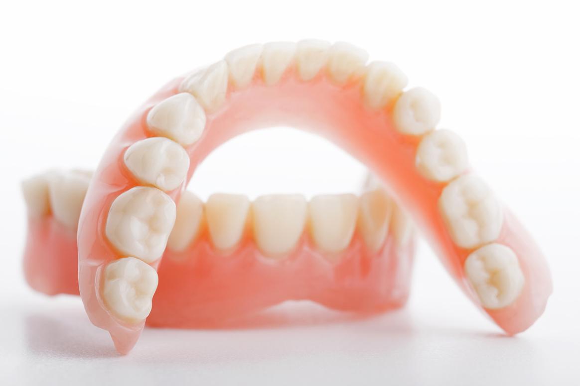 Съемные зубные протезы — цена в Москве в стоматологии OneDent.ru